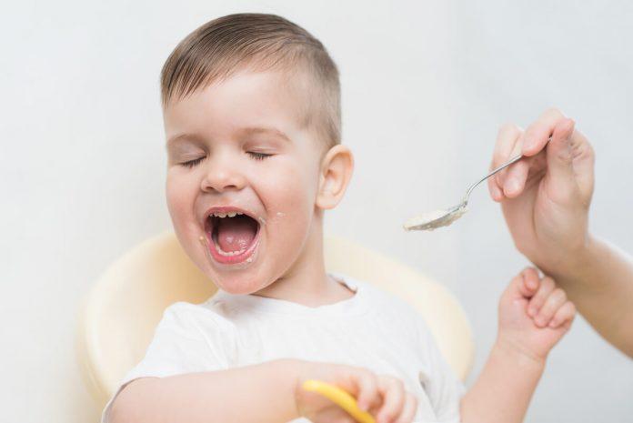 Moje dijete ništa ne jede! Evo šta da uradite kad se doručak pretvori u opšti haos