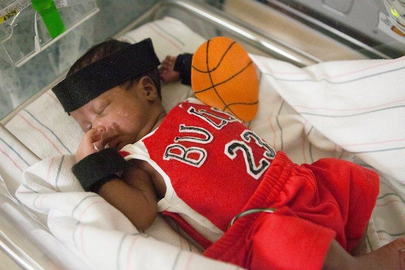 Prijevremeno rođene bebe: Superheroji iz inkubatora (FOTO)