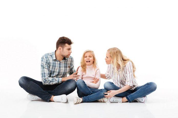 mamaklik-savjeti-Roditeljski-autoritet-kod-djece-i-kriza-autoriteta-Kako-se-nositi-sa-djetetom-koje-viče-i-prkosi.jpg