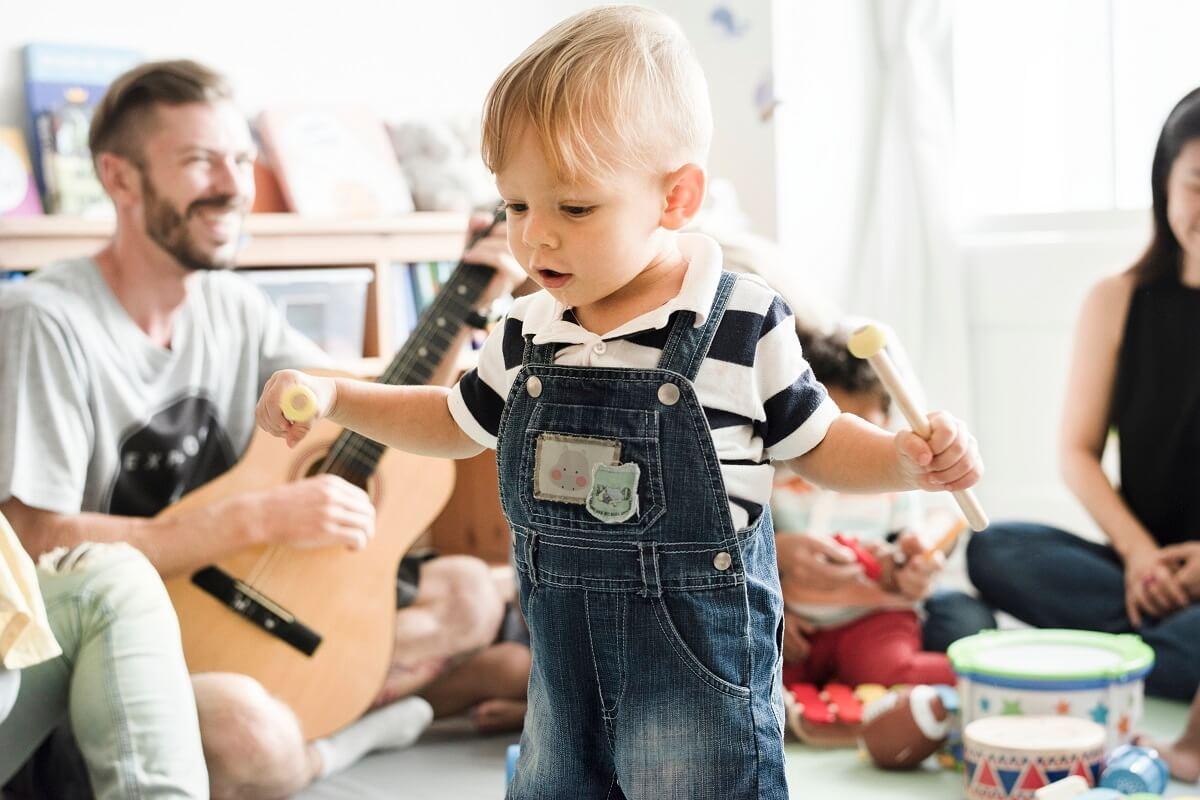 mamaklik-RAZVOJ-GOVORA-KOD-DJECE-Kad-dijete-treba-da-progovori-i-kako-pratiti-govor-kod-djeteta.jpg