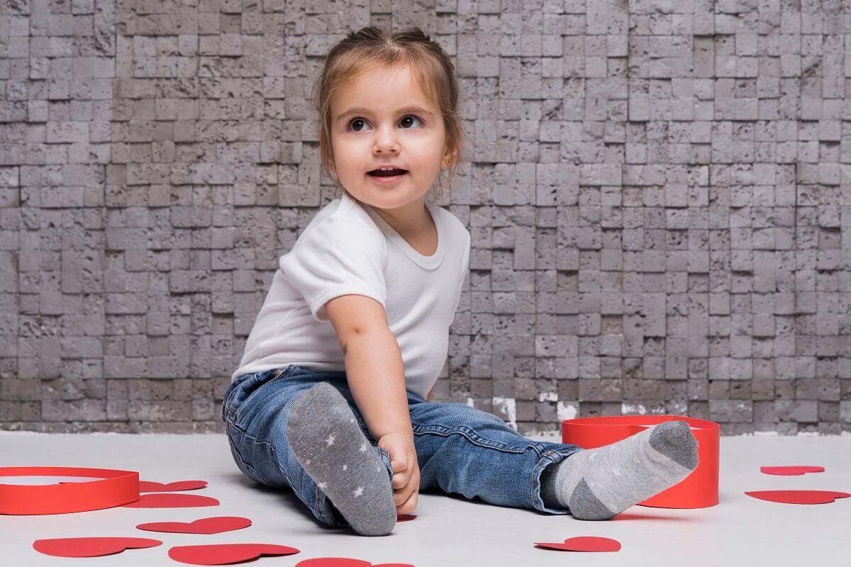 RAZVOJ-GOVORA-KOD-DJECE-Kad-dijete-treba-da-progovori-i-kako-pratiti-govor-kod-djeteta-savjeti-mamaklik.jpg