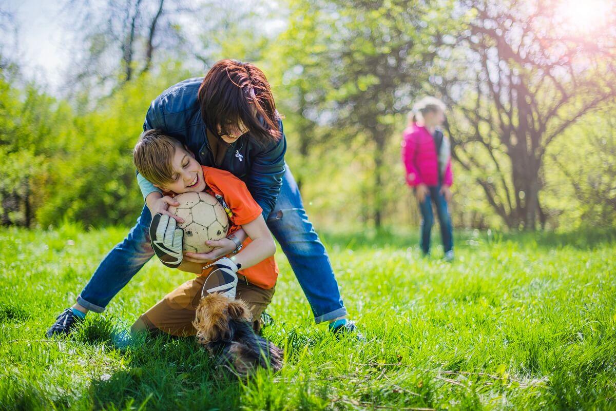 Sportske-aktivnosti-za-djecu-u-kojima-cijela-porodica-može-da-uživa-u-prirodi-mamaklik.com_.jpg