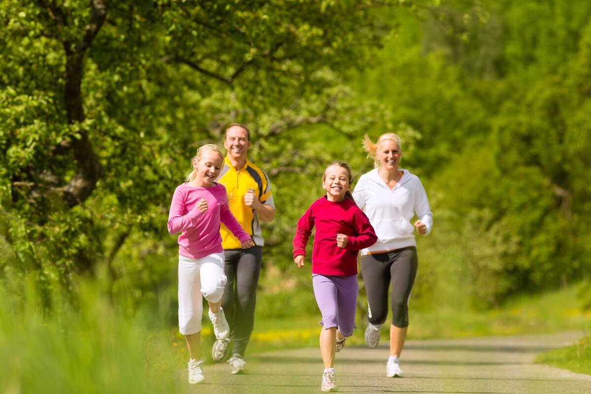 kreativne-i-Sportske-aktivnosti-za-djecu-u-kojima-cijela-porodica-može-da-uživa-mamaklik.jpg