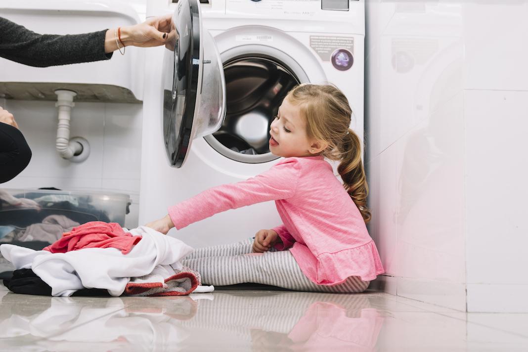 kako-oprati-jakne-kapute-i-bunde-od-laznog-krzna-mamaklik-savjeti-za-pravilno-pranje.jpeg