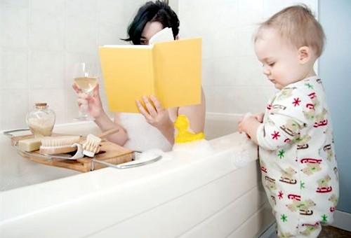 mama-pije-pred-djetetom-mamaklik.com_.jpg