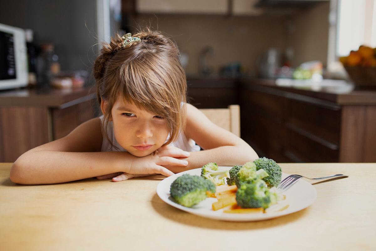 Dijete-neće-da-jede-5-psiholoških-savjeta-za-roditelje-sa-izbirljivom-djecom-mama-klik.jpg