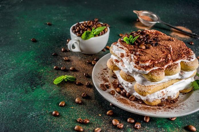 Tiramisu-sa-bijelom-čokoladom-mamaklik.com_.jpg