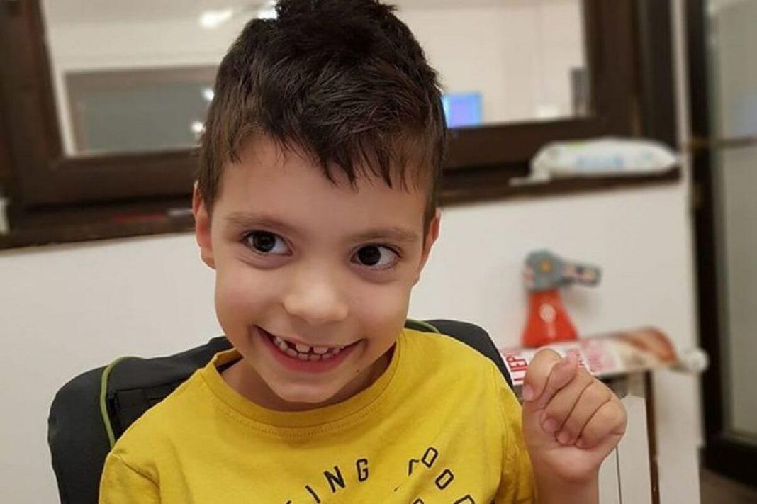 Pozivom na humanitarni broj 1412 pomozimo sedmogodišnjem Sergeju Todoroviću iz Banjaluke, da nastavi sa vježbama i napravi svoj prvi korak.