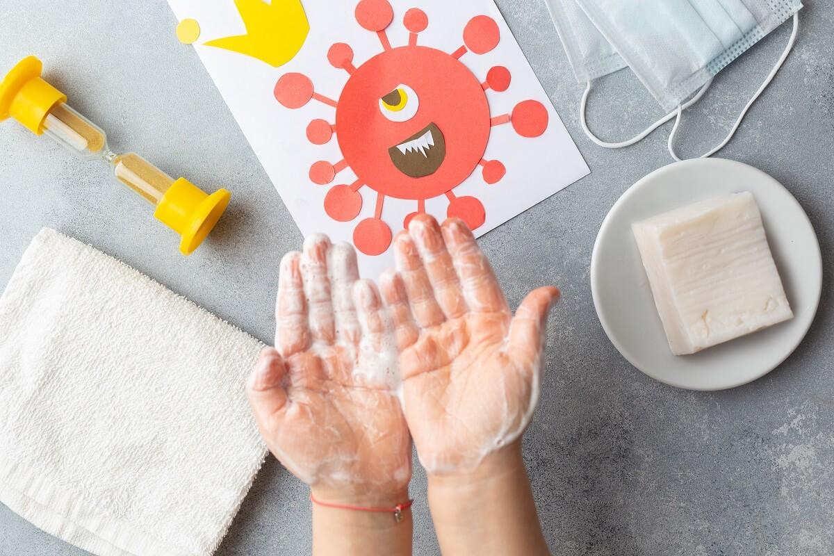 Može-li-se-zaraziti-u-izolaciji-Kako-se-zaštititi-od-koronavirusa-Da-li-dezinfikovati-ambalažu-i-skidati-cipele-odjeću-zbog-korona-virusa-Šta-čistiti-kod-kuće-kojim-sredstvima-mamaklik.jpg