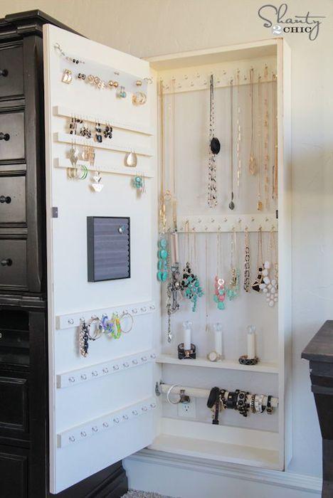 Kako-organizovati-nakit-ormaric-za-nakit-mamaklik.jpg