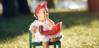 ljetnje-voće-za-bebe-i-djecu-mamaklik.jpg