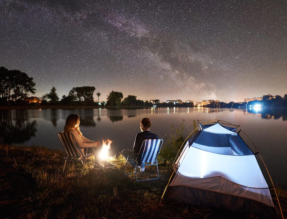 KAMPOVANJE- 5 dobrih razloga za spavanje pod vedrim nebom mamaklik.jpg