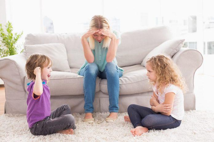 ODNOSI-MEĐU-DJECOM-u-porodici-Kako-i-zašto-se-NESLAŽU-i-stalno-svađaju-braća-i-sestre-mamaklik.jpg
