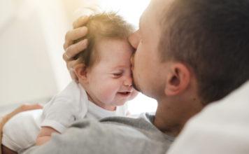 kako bebe pokazuju ljubav beba voli mamaklik.com